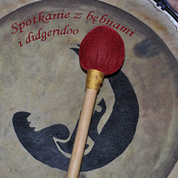 Spotkanie z didgeridoo i bębnami