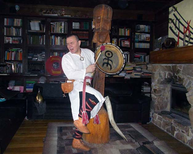 Tomasz Poświst Rogaliński w swoim domu